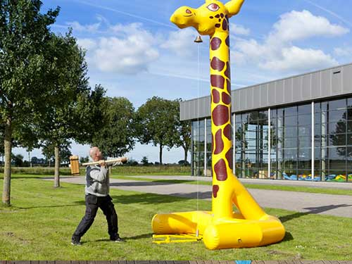 Location mailloche girafe gonflable - Nancy, Lorraine